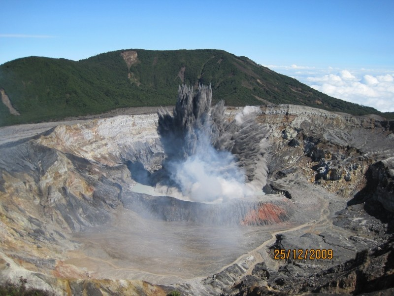 volcan poas tour one day costa rica